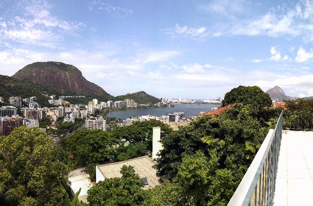 Casa venda Jardim Botanico vista panoramica Lagoa Mar Pão de Açucar Cristo Pedra Gavea Dois Irmãos 4 quartos suite varanda terraço piscina churrasqueira garagem (87)