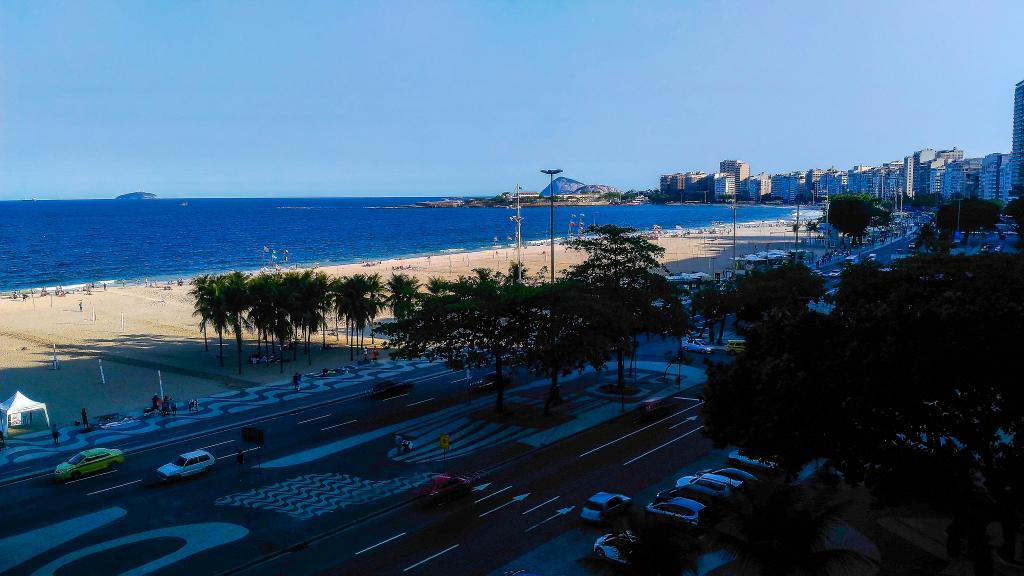 Copacabana Avenida Atlantica vista panoramica 180 graus praia mar 4 quartos suites requinte vagas garagem Metro Bogoricin Prime (28)
