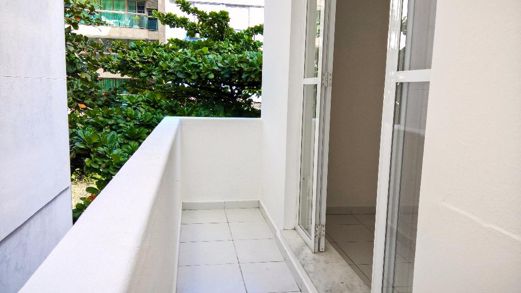 Leblon Rua José Linhares quarto escritorio cozinha americana praia Metrô Bogoricin Prime (1)